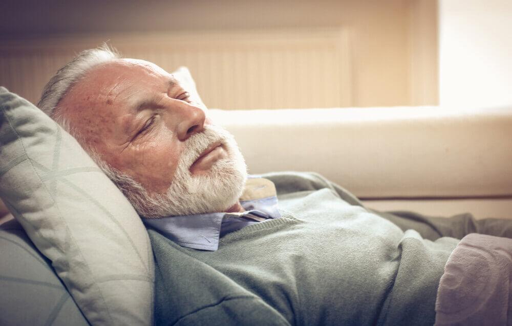 san kod starijih ljudi slike